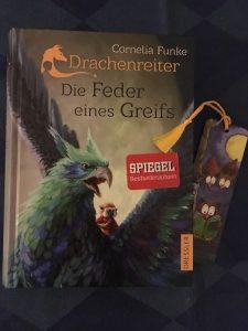 Buchcover Drachenreiter Die Feder eines Greifs von Cornelia Funke